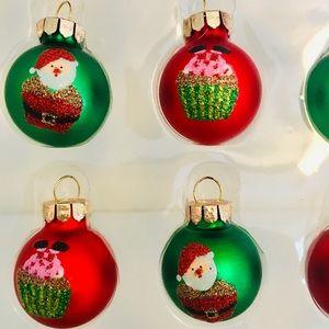 20 Mini Christmas Santa Fell In Cupcake Ornaments